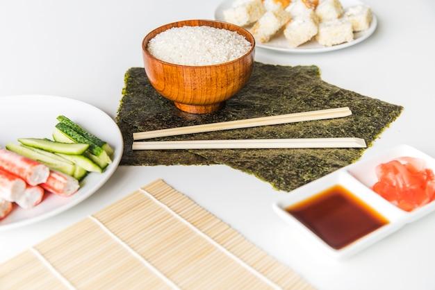 Nori avec du riz et des épices