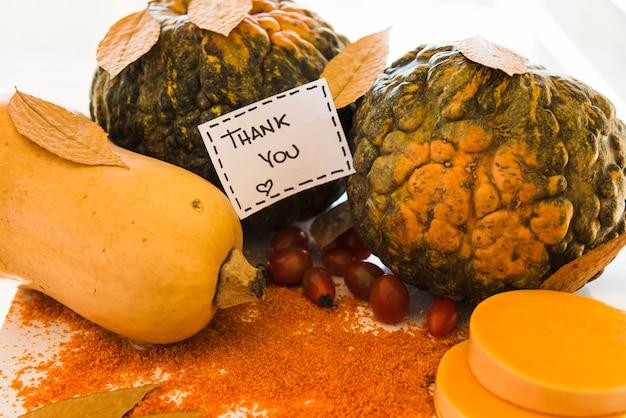 Note sur les légumes entre les poivrons
