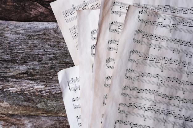 Notes de musique ancienne