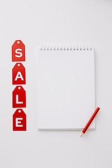 Notion de vente maquette vendredi noir bloc-notes