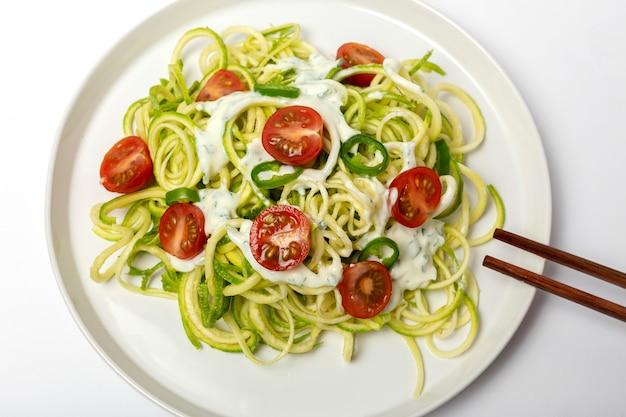 Nouilles de courgettes aux légumes