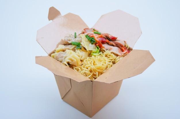 Nouilles à lunch box