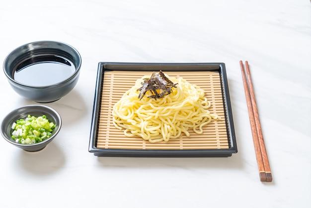 Nouilles ramen froides japonaises