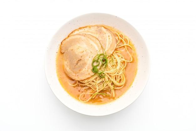 Nouilles ramen tonkotsu au porc chaashu