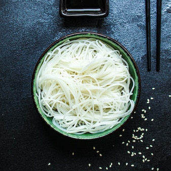 Nouilles de riz en portion mince de nouilles en verre