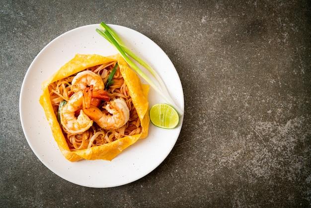 Nouilles sautées thaï aux crevettes