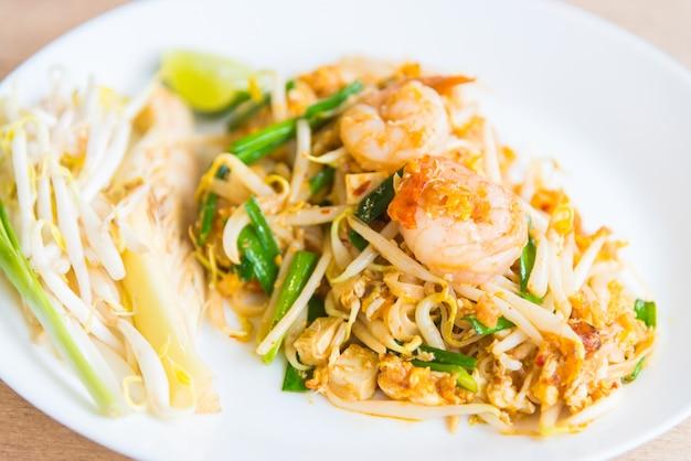 Nouilles thaïes frites