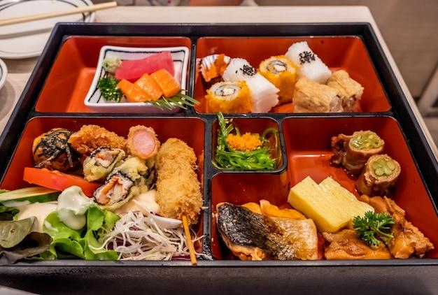 Nourriture bento japonaise, traditionnelle du japon.