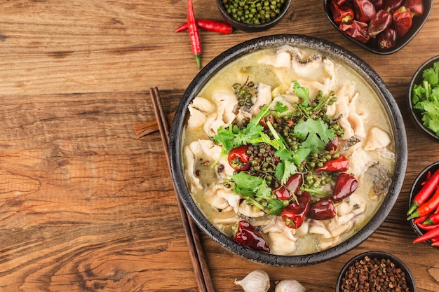 Nourriture chinoise. délicieux poisson mariné
