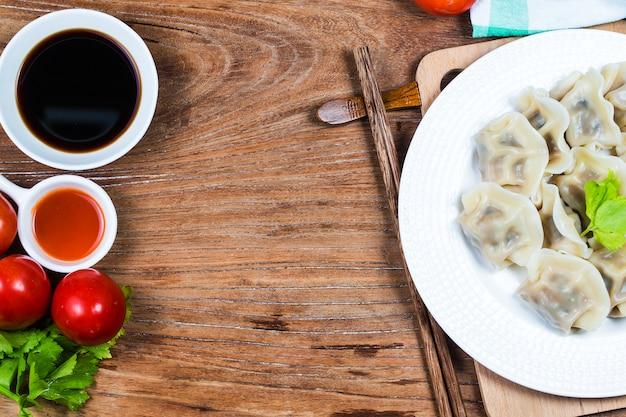 Nourriture chinoise de nouvel an jiaozi