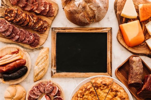 Nourriture délectable autour du tableau