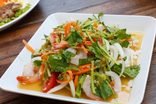 Nourriture de détail de crevettes épicées
