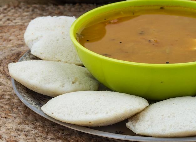 Nourriture indienne du sud idli vada
