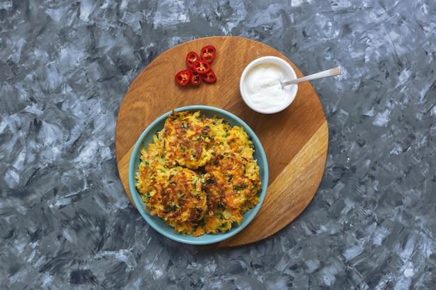 Nourriture iranienne. escalopes de légumes biologiques. vue de dessus