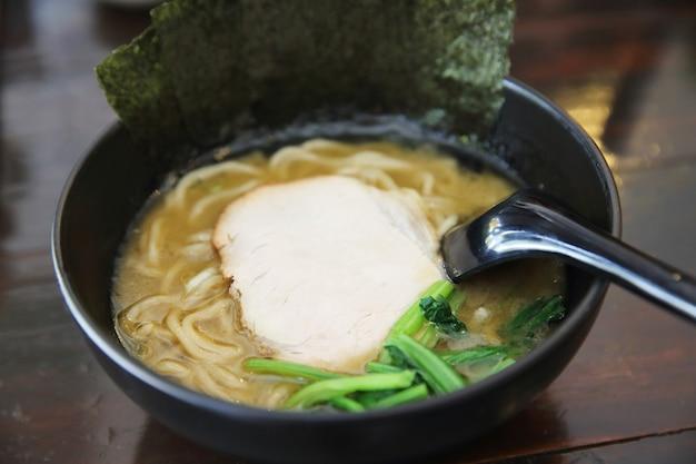 Nourriture japonaise de nouilles ranmen