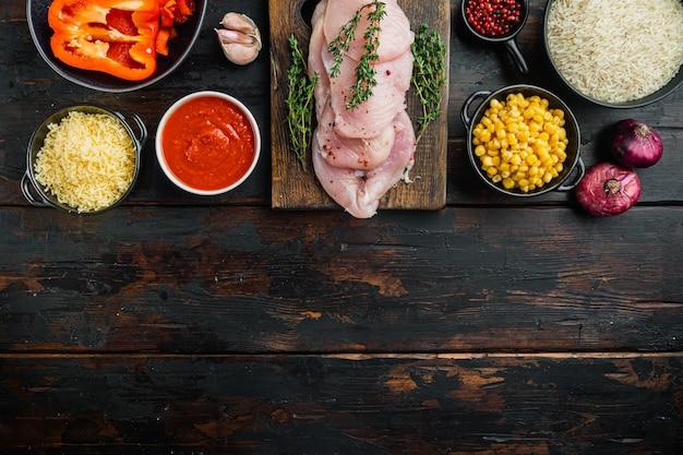 Nourriture mexicaine. cuisine d'amérique du sud. ingrédients traditionnels, sur la vieille table en bois sombre