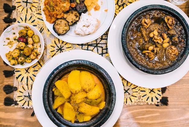 Nourriture orientale plat poser