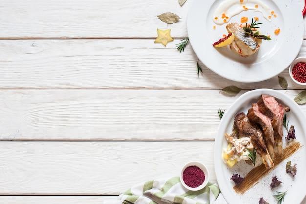 Nourriture snack apéritif menu restaurant gastronomique concept buffet viande de poisson