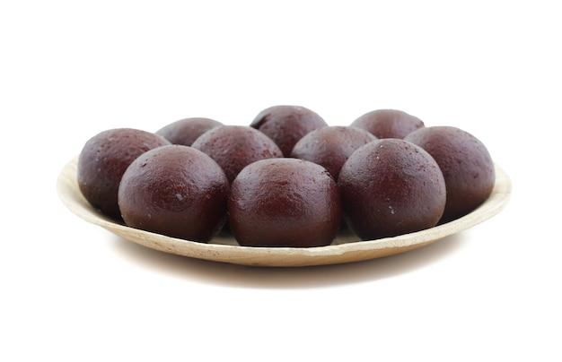 Nourriture sucrée indienne gulab noir sucré jamun
