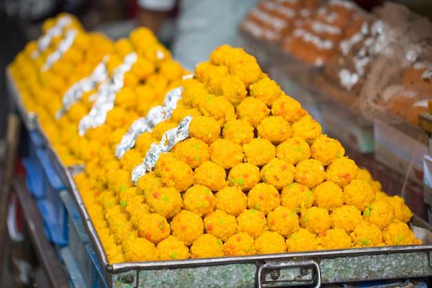 Nourriture sucrée indienne laddu