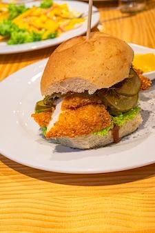 Nourriture viande carne comida gourmet plato de comida burger fastfood