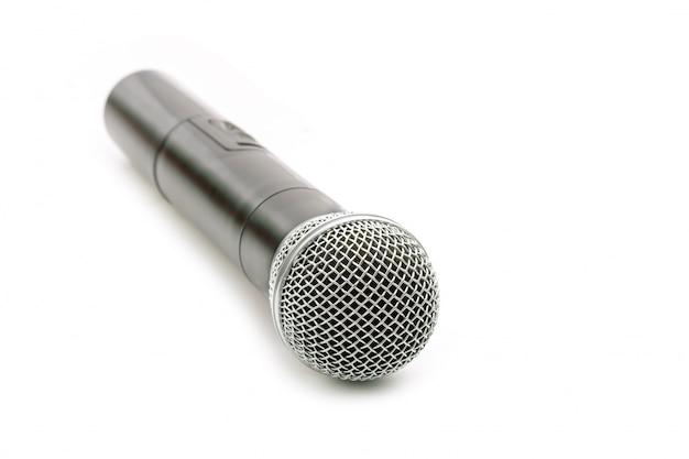 Nouveau microphone sans fil sur blanc