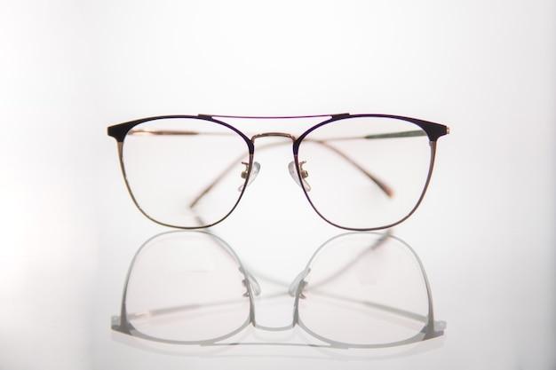 Un nouveau modèle de lunettes dans la clinique ophtalmologique