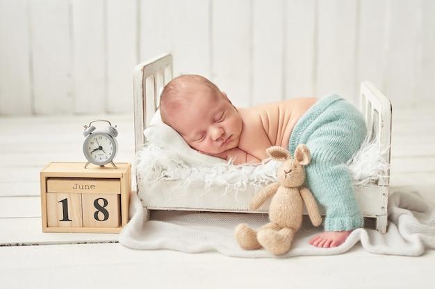 Nouveau-né garçon endormi