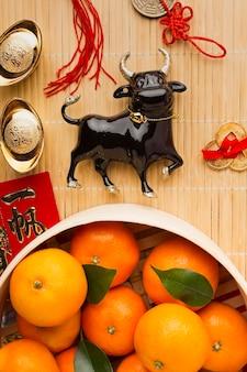 Nouvel an chinois 2021 boeuf noir et oranges