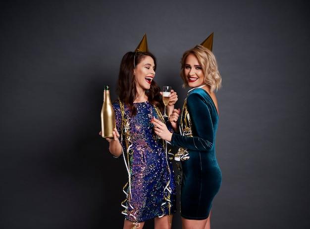 Le nouvel an est le bon moment pour boire du champagne