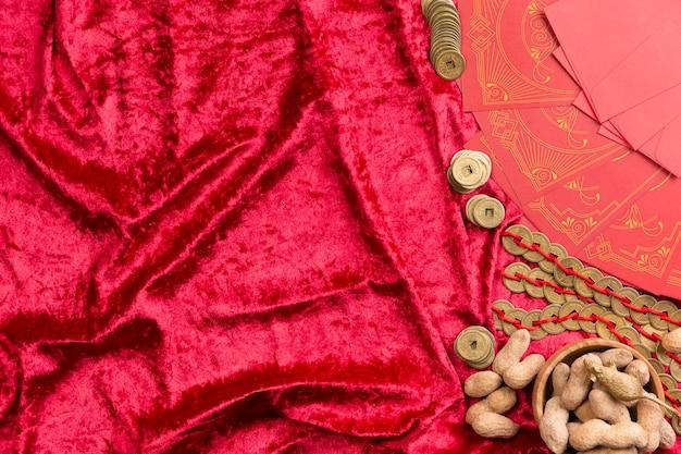 Nouvel arrangement d'année chinoise avec cacahuètes et espace de copie