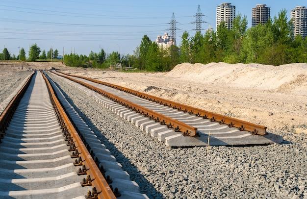De nouvelles pistes. construction d'une ligne de tramway