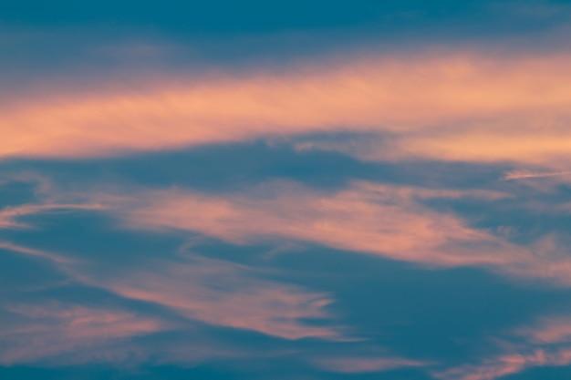 Nuage et ciel dans un style vintage