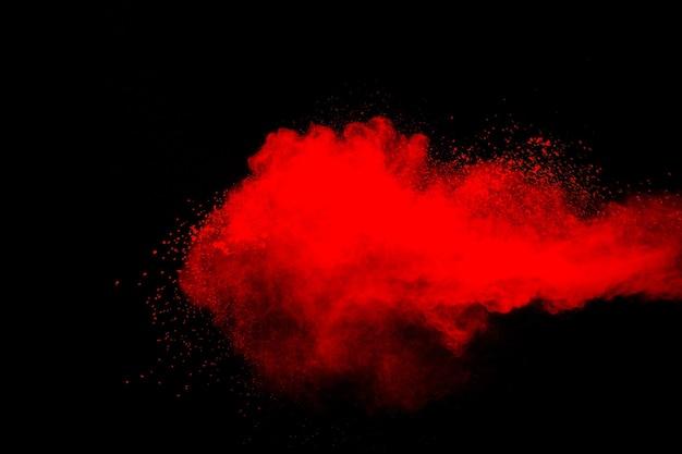 Nuage d'explosion de poudre rouge