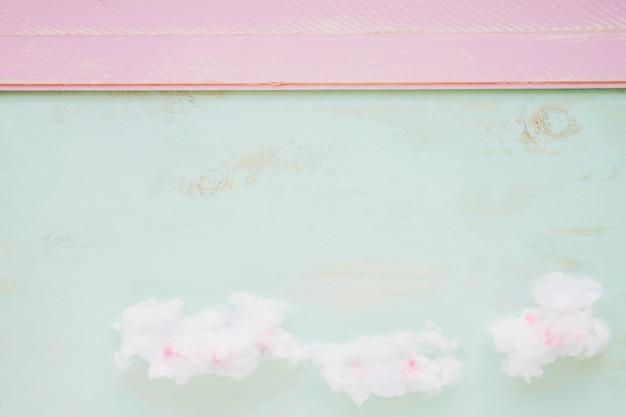 Nuage moelleux contre toile de fond de texture couleur