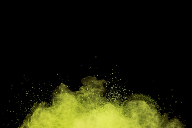 Nuage de poudre colorant volant