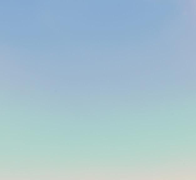 Nuages ciel bleu
