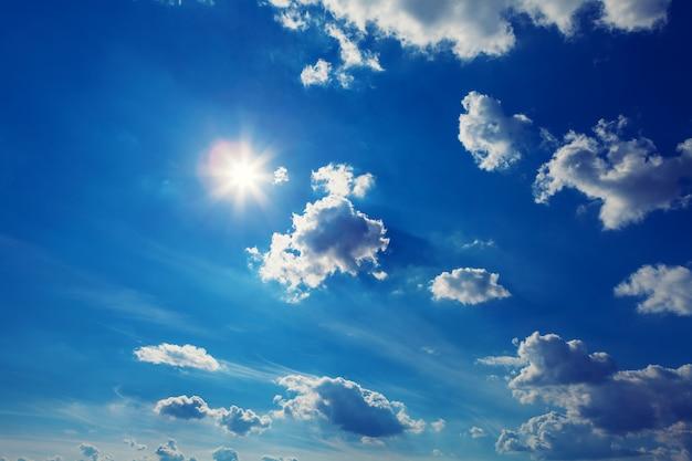 Nuages du ciel, ciel avec nuages et soleil