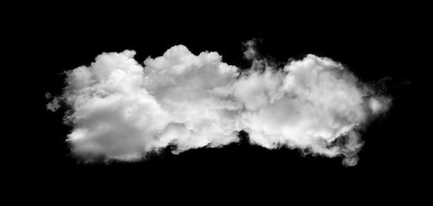 Nuages ou fumée isolés sur fond noir