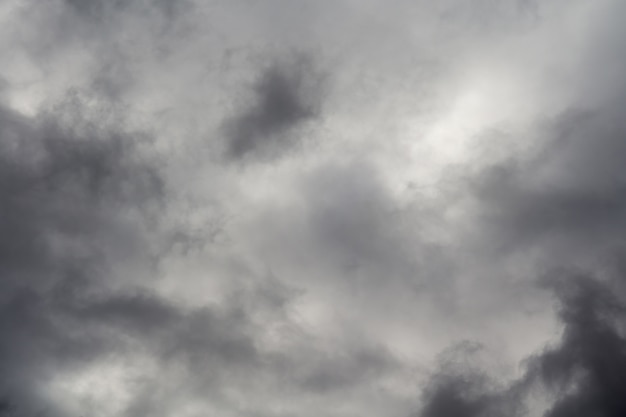 Nuages d'orage sinistre
