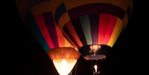 Nuit de ballon au crépuscule