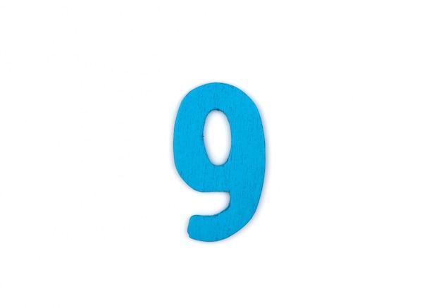 Numéro 9 en bois