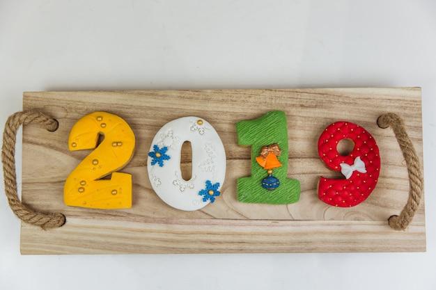 Numéros de pain d'épice de noël peints à la main 2019