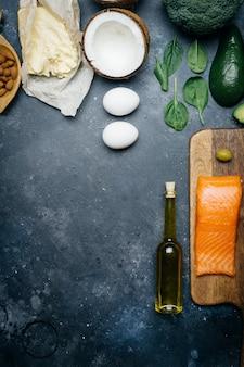 Nutrition saine avec des produits à faible teneur en glucides et en gras