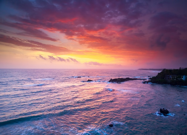 Océan au coucher du soleil