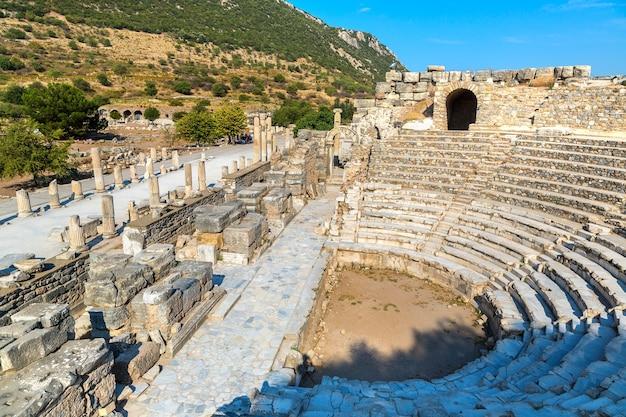 Odeon - petit théâtre dans la ville antique d'éphèse, turquie