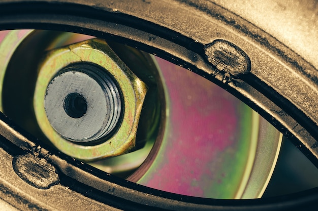 Oeil robotique inhabituel dans le style steampunk.