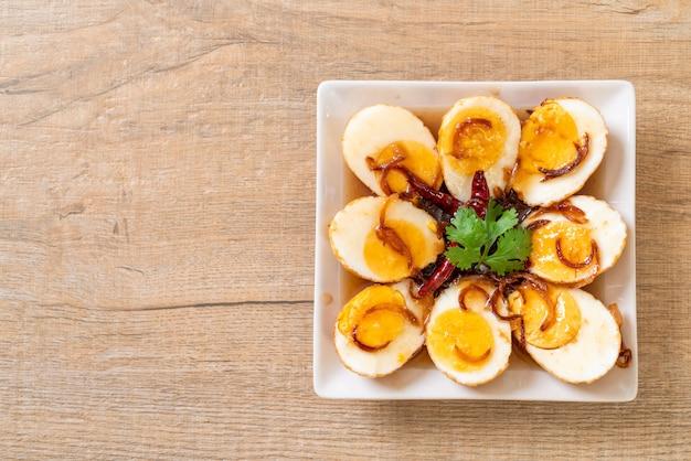 Œuf à la coque avec sauce au tamarin