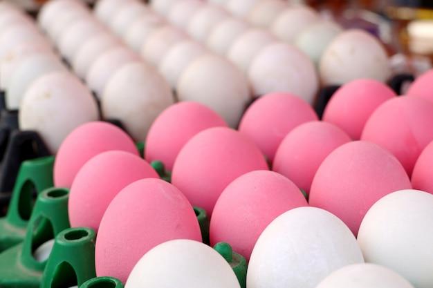 Œuf salé et œuf en conserve