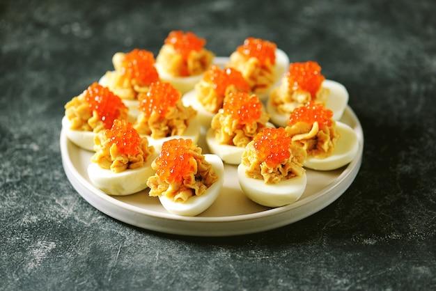Œufs farcis au caviar de saumon